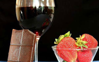 Пошаговая технология приготовления простого домашнего вина из клубники