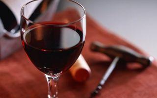 Вино Алазанская долина: особенности грузинского красного и белого полусладкого напитка, правила выбора и употребления