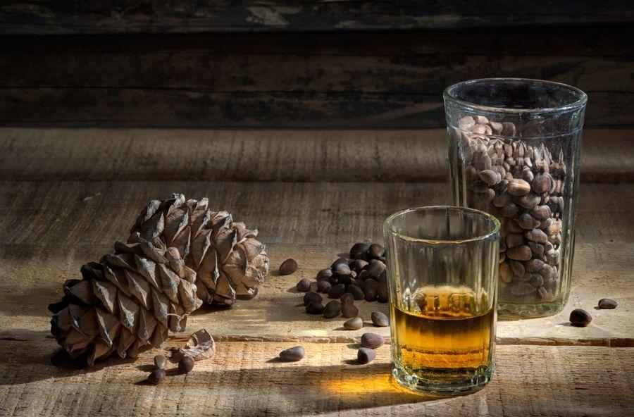 Рецепт настойки самогона на кедровых орешках