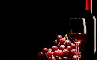 Как держать бокал с вином или другим напитком – правила этикета