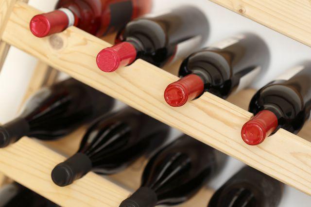 Срок годности вина в бутылке и открытого