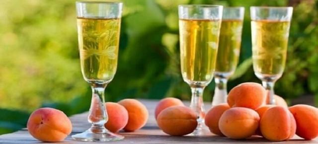 Абрикосовое вино в домашних условиях по простому рецепту