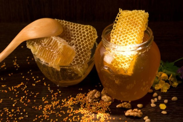 Как вносить мед в вино вместо сахара: пропорции и подготовка