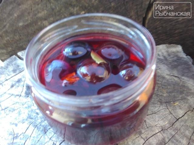 Маринованная слива в вине на зиму – рецепт приготовления