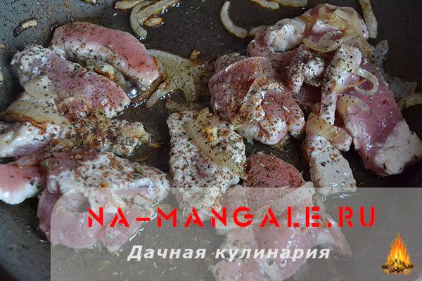 Свинина в вине (красном и белом): рецепт запекания в духовке