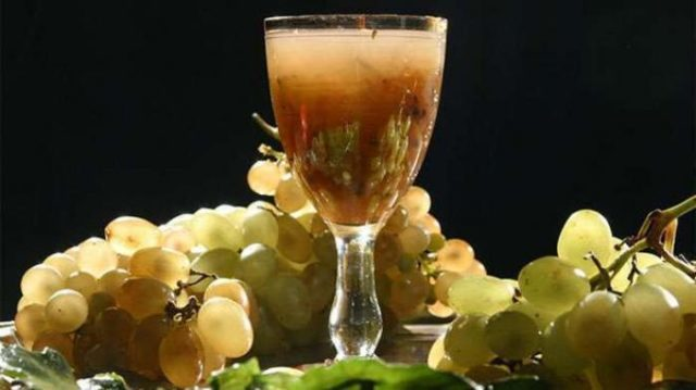 Винный уксус в домашних условиях: рецепт из винограда и вина