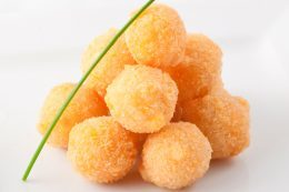 Сырные шарики к пиву в домашних условиях – пошаговый рецепт