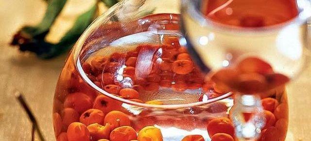 Настойка рябины на коньяке - рецепт в домашних условиях