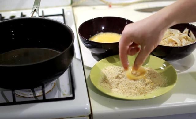 Кальмары к пиву – 3 рецепта: жареные, сушеные, кольца в кляре