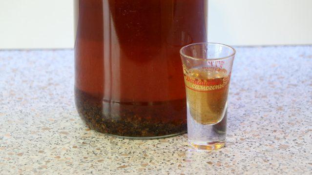 Настойка на изюме водки (спирта, самогона) – лучший рецепт