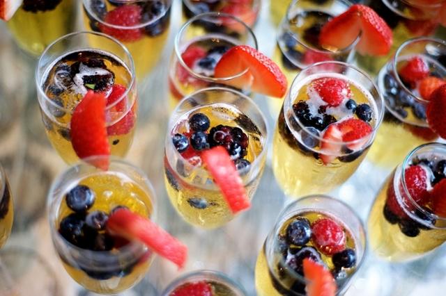 Легкие закуски к вину, пиву, шампанскому и под водку