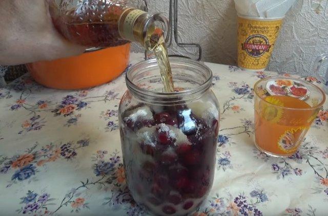Вишня на коньяке – рецепт настойки в домашних условиях