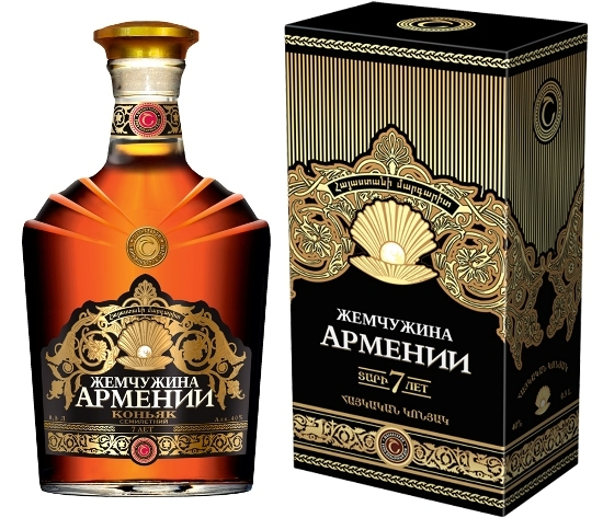 Коньяк Вершина Армении: описание, история и виды марки