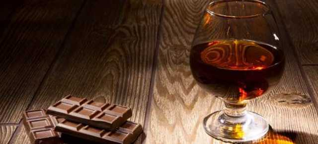 Шоколадная водка – простой рецепт настойки на шоколаде