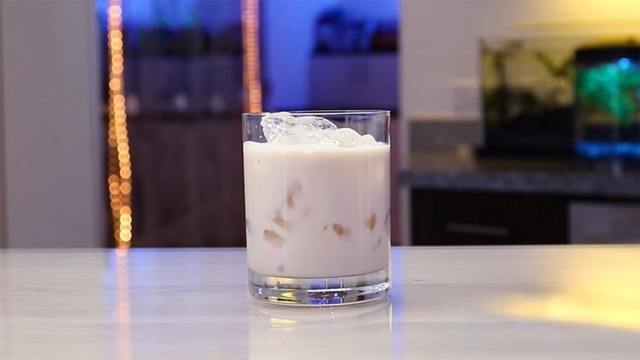 Кокосовая настойка из стружки или свежей мякоти – рецепт