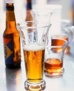 Можно ли беременным и корящим пить безалкогольное пиво