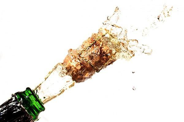 Как открыть шампанское – правильный безопасный способ