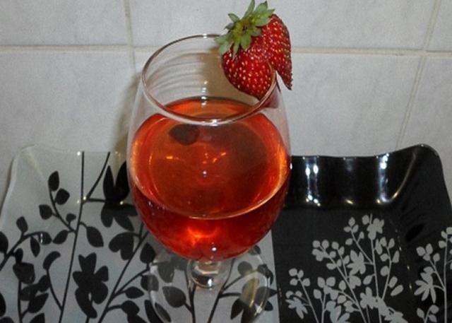 Настойка из земляники на водке и спирту – пошаговый рецепт
