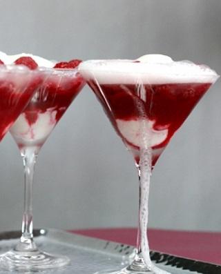 Водка с шампанским – правила сочетания и новогодний коктейль
