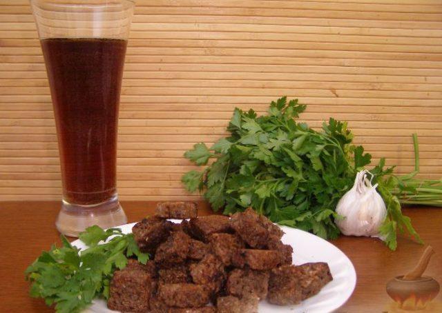 Сухарики к пиву – рецепты для духовки, микроволновки и мультиварки