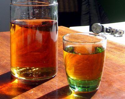 Домашняя настойка из морошки на водке (спирту, самогоне)