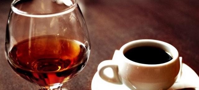 Кофе с коньяком – рецепты и пропорции приготовления